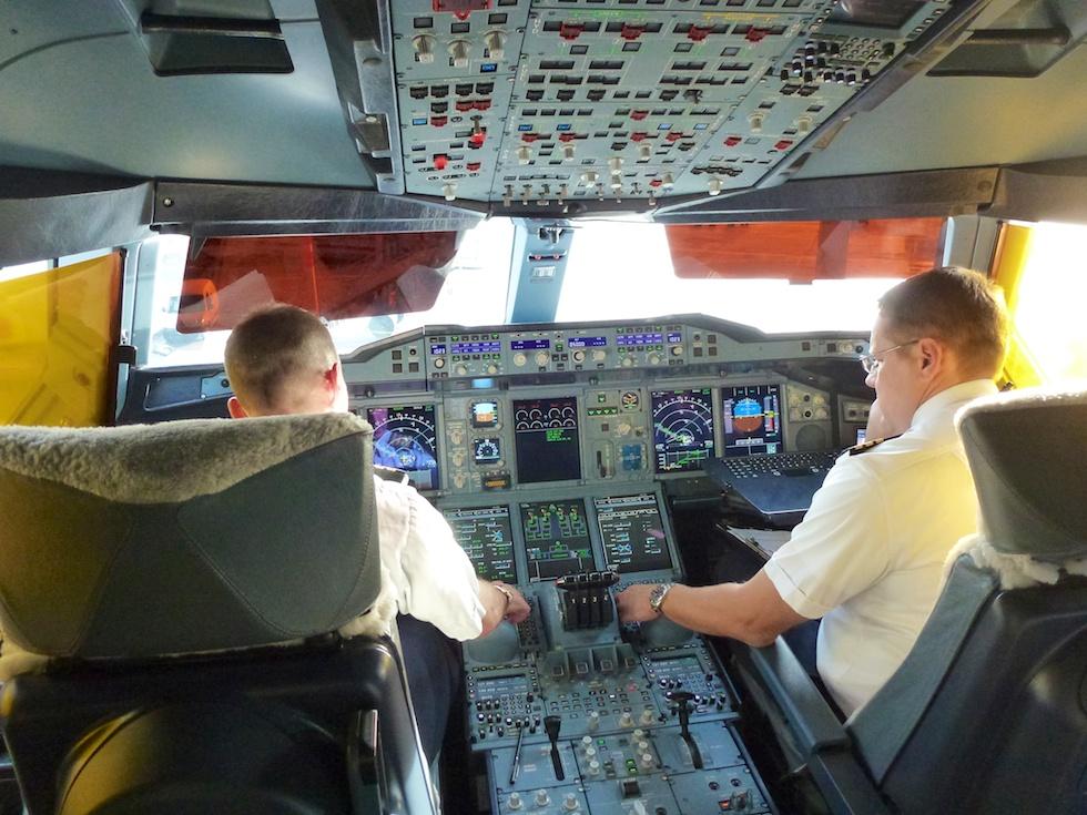 Cockpit des A380 von Emirates