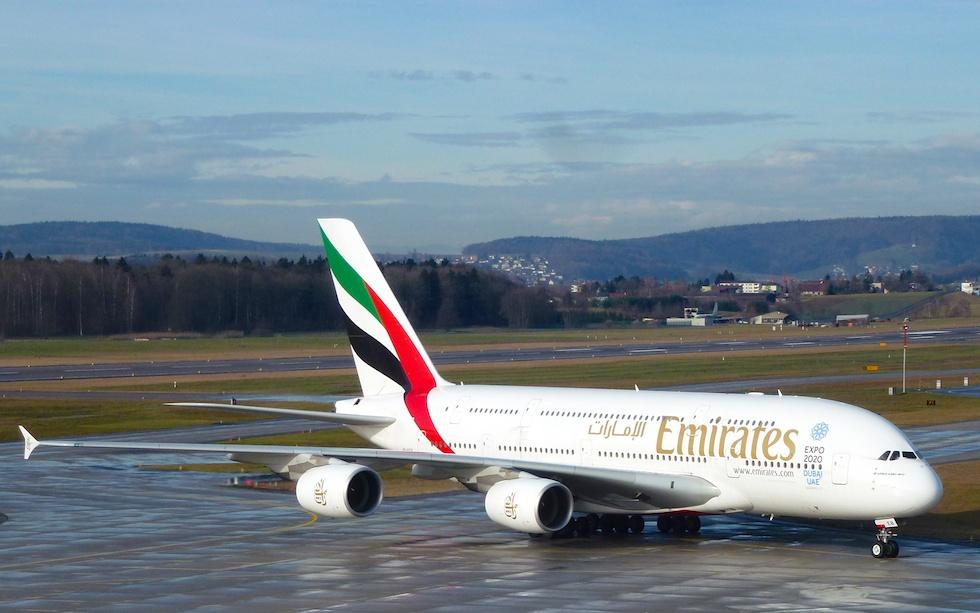 Emirates Airbus A380 am Flughafen Zürich