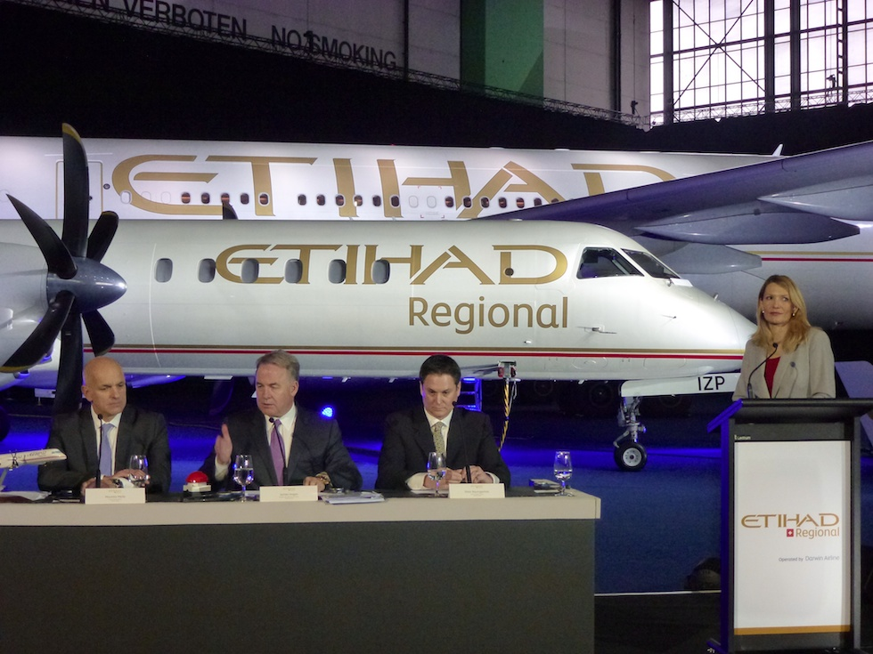 Präsentation der Etihad Regional Bemalung am Launch-Event in Zürich