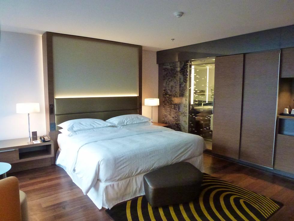 Sneak peak das neue sheraton hotel in z rich west for Zimmer hotel