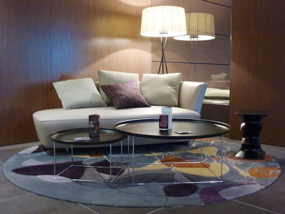 Stylisch zum zweiten: Sitzgelegenheit in der Lobby des Sheraton Zürich