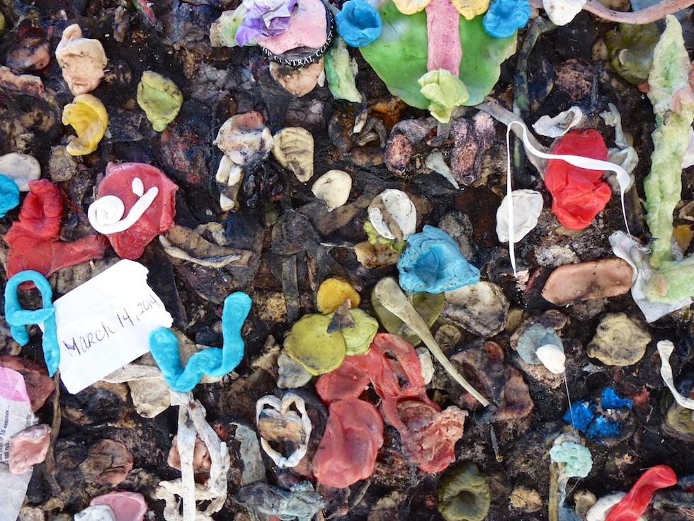 Bubblegum Alley in San Luis Obispo: Bei näherer Betrachtung vielleicht doch nicht so hübsch