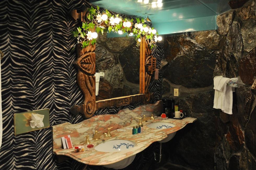 Badezimmer im Jungle Rock Zimmer: Kiiitsch!