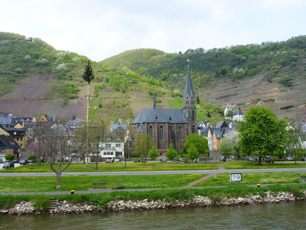 Romanische Kirche von Sankt Aldegund
