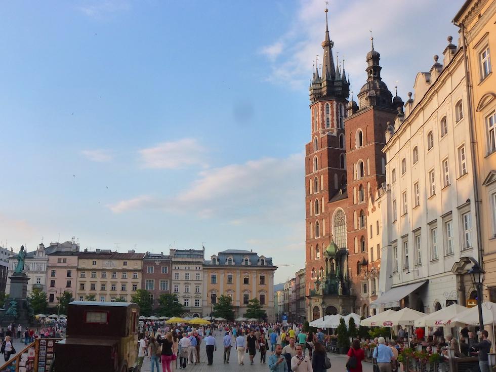Blick auf die Marienkirche: Zur vollen Stunde bläst der Trompeter das Hejnal