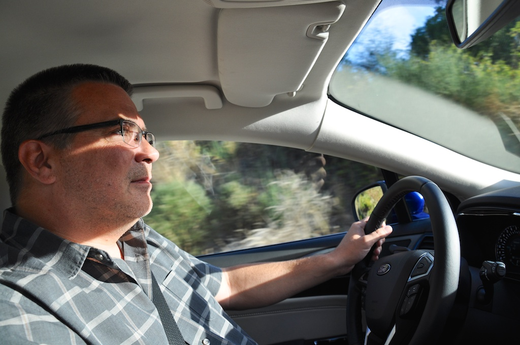 Entspannt: Der Testfahrer aka Travelblogger bei der Arbeit