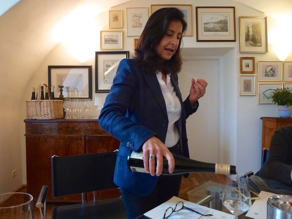 Weinverkostung im Salomon Undhof: Viel Wissenswertes von Getrud Salomon.