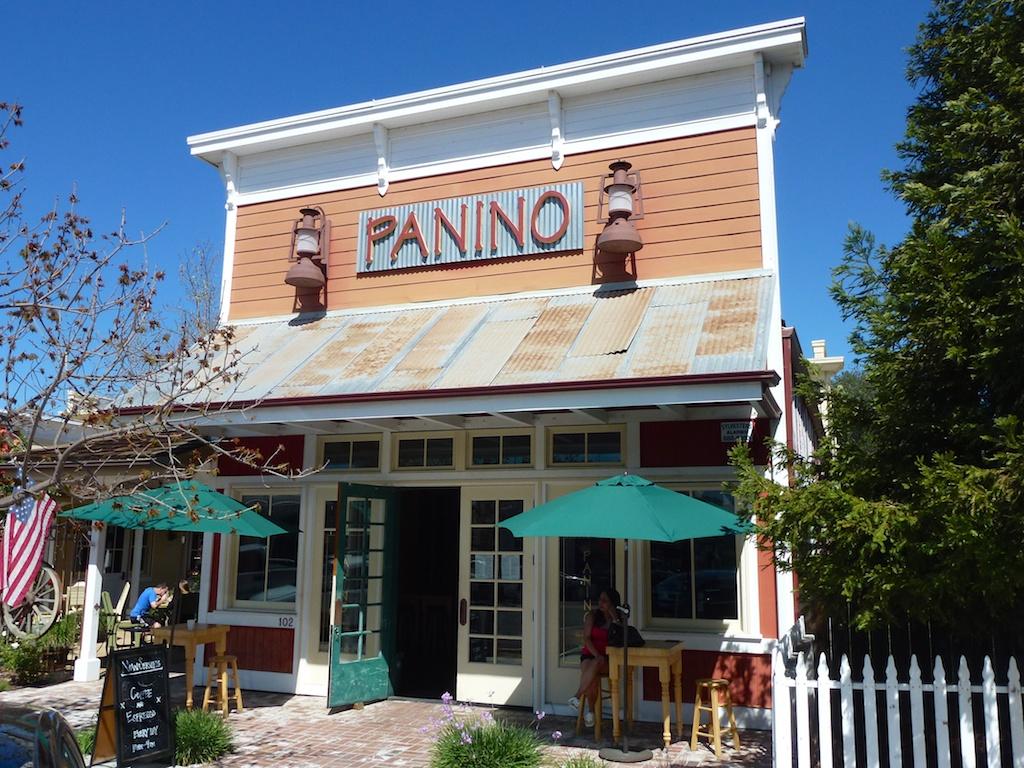 Idyllischer Kaffeehalt. Hier in Santa Ynez, Kalifornien. März 2014