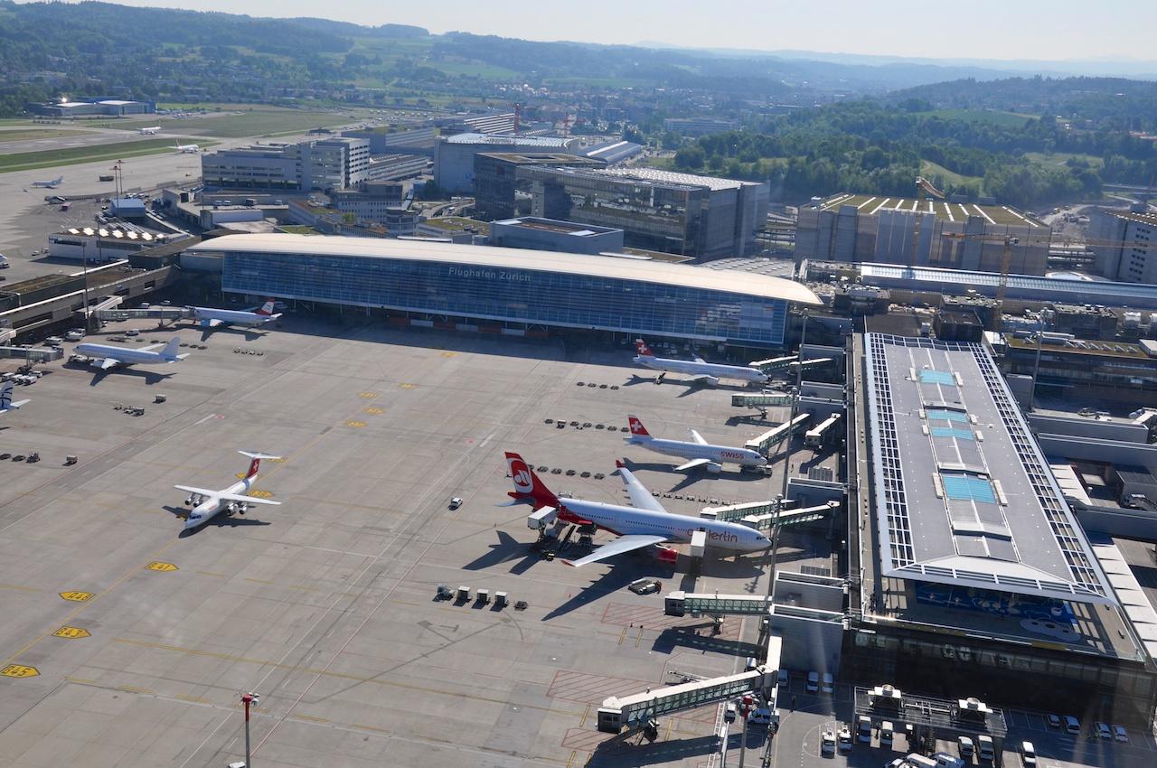 Überflug des Flughafen Zürich