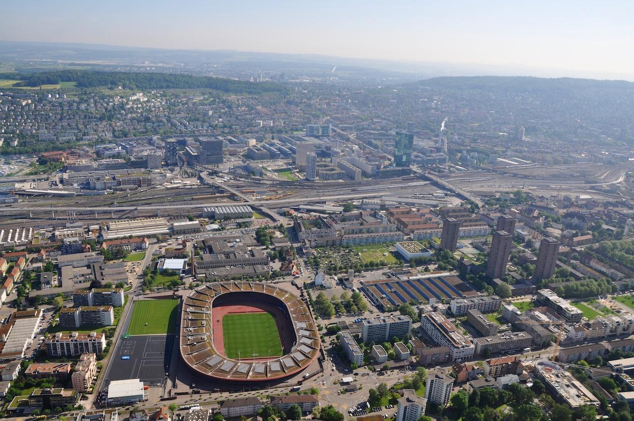 Blick auf Zürichs Letzigrund-Stadion