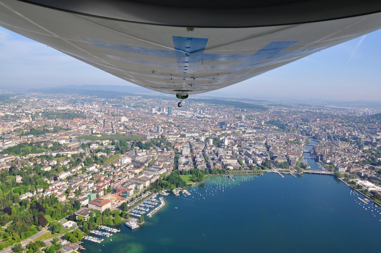 Im Edelweiss-Zeppelin über Zürich