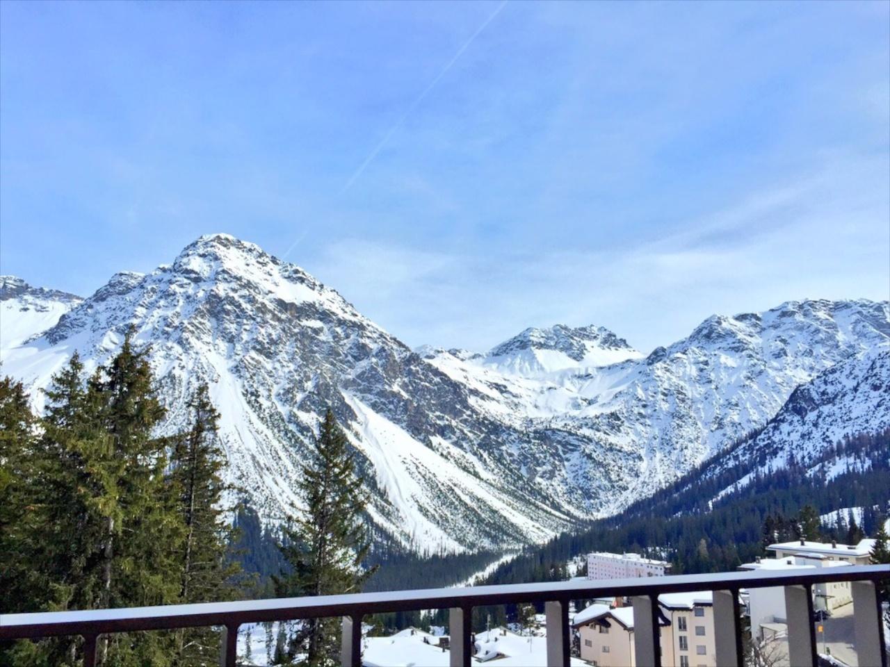 Guten Morgen Arosa: Toller Ausblick direkt vom Bett der Dachsuite