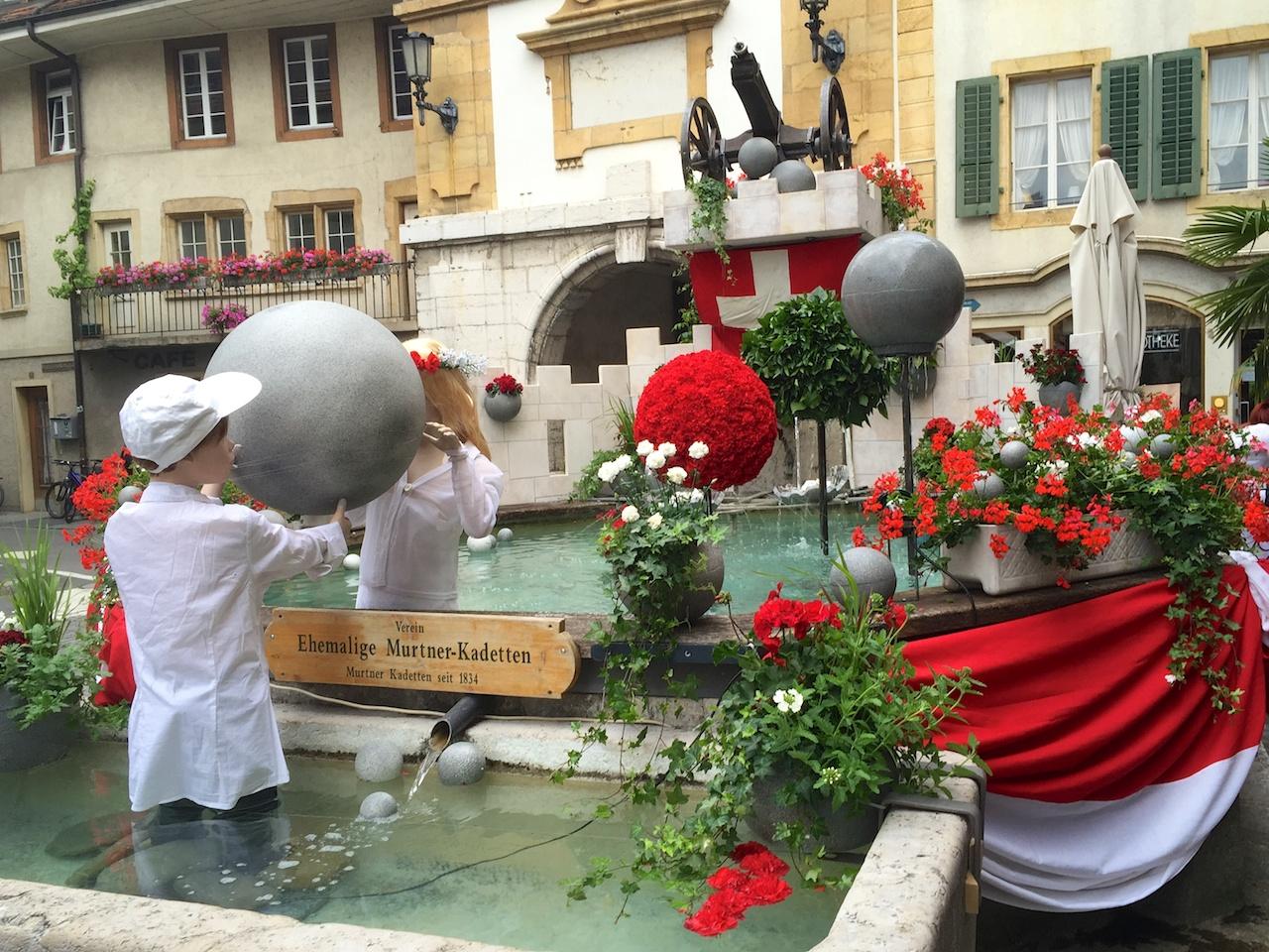 Das Brunnenfest: Mit viel Liebe dekorierte Brunnen