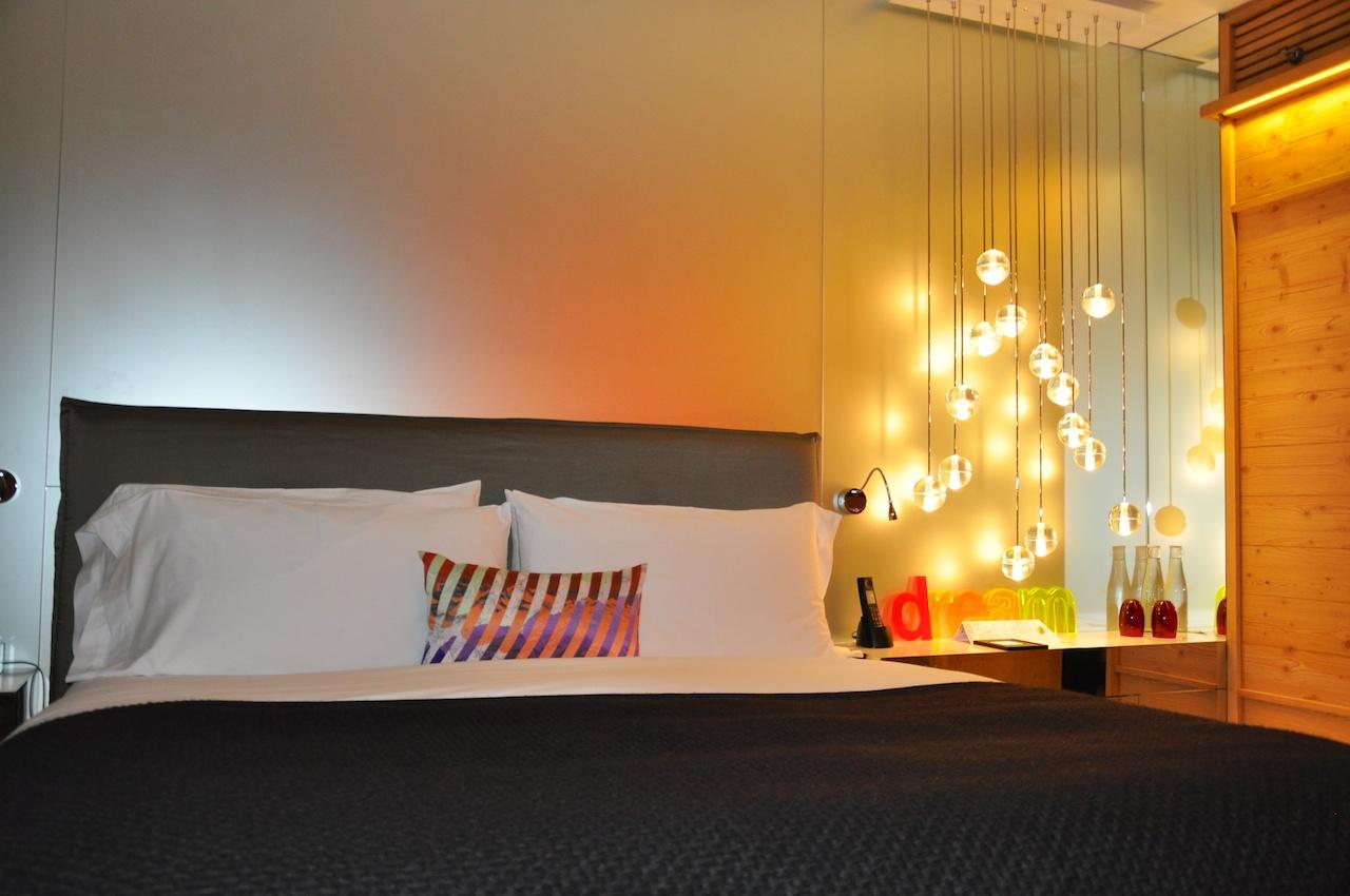 Stylish: Zimmerbeleuchtung im W Verbier
