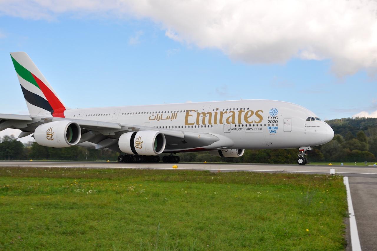 Emirates A380 bei der Landung