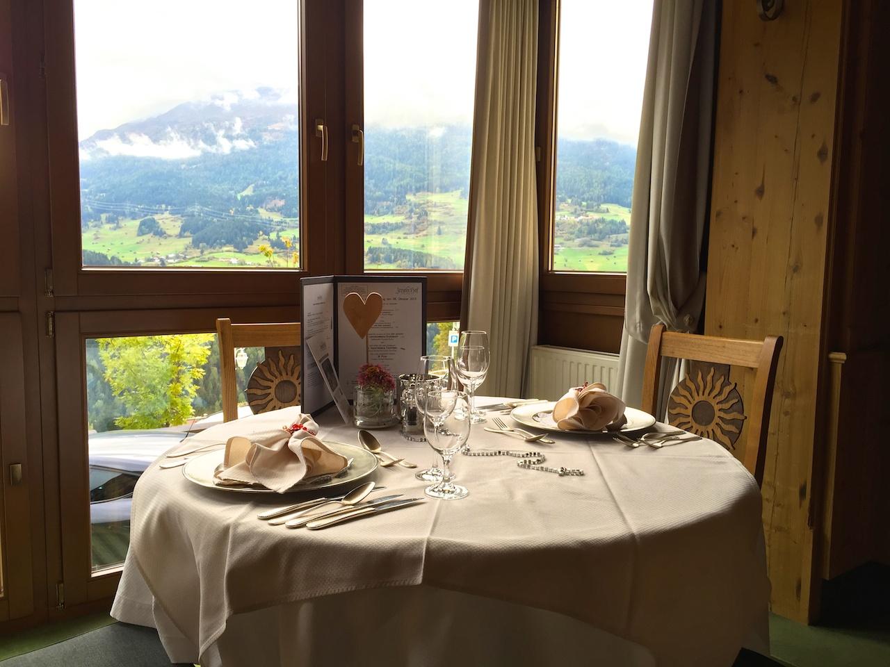 Essen mit Aussicht über das Tal