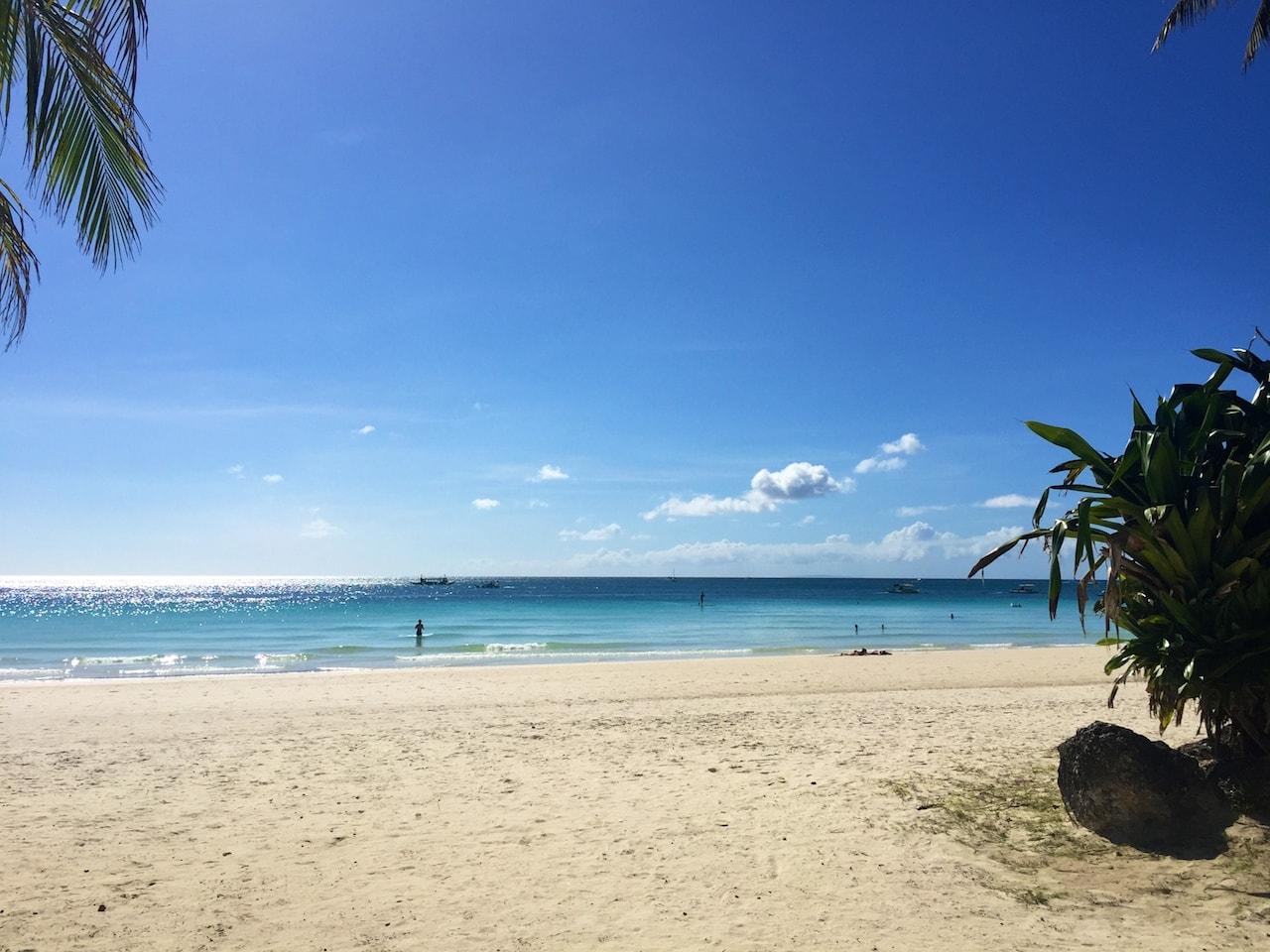 Den Strand (fast) für sich alleine: White Beach bei Station 1