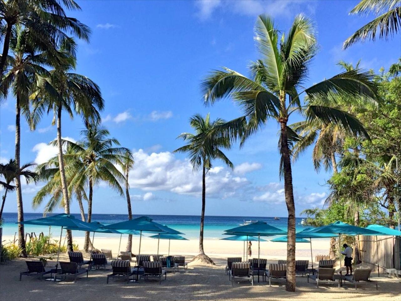 Der Blick vom Hotel auf den White Beach macht Lust auf mehr