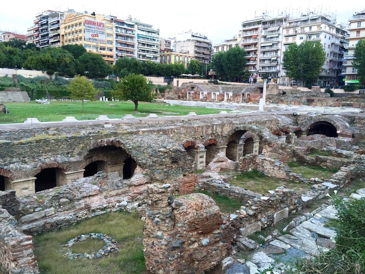 Geschichtsträchtig: Das römische Forum mitten in Thessaloniki.