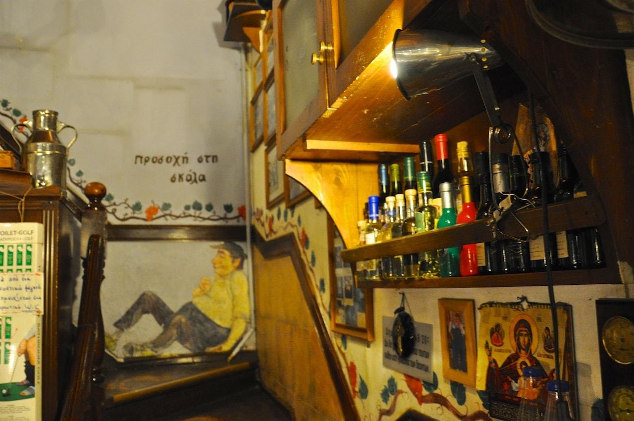 Liebevoll eingerichtet: Restaurant Ouzou Melathron in Thessaloniki