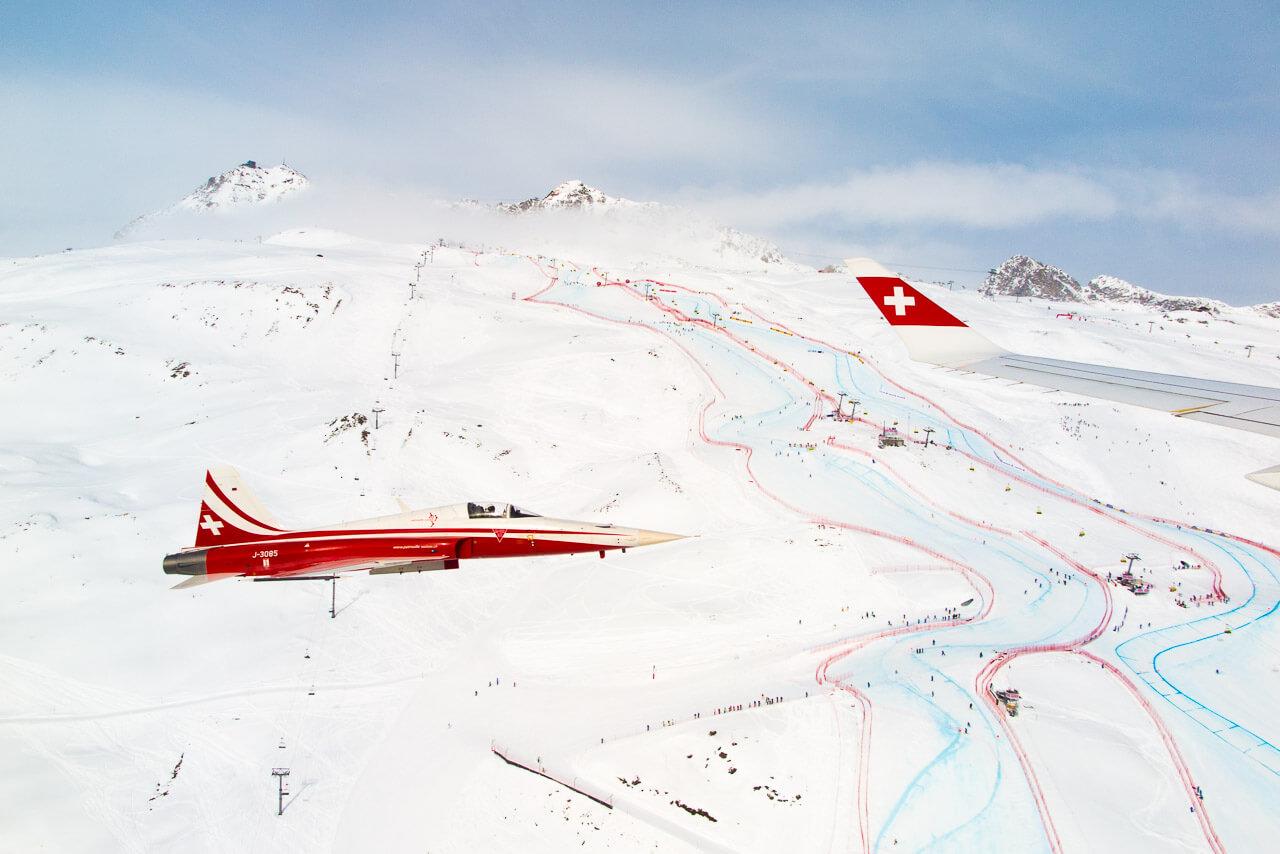 Airshow über St.Moritz: Der Blick aus der SWISS CS100 auf das Ski-WM-Renngelände
