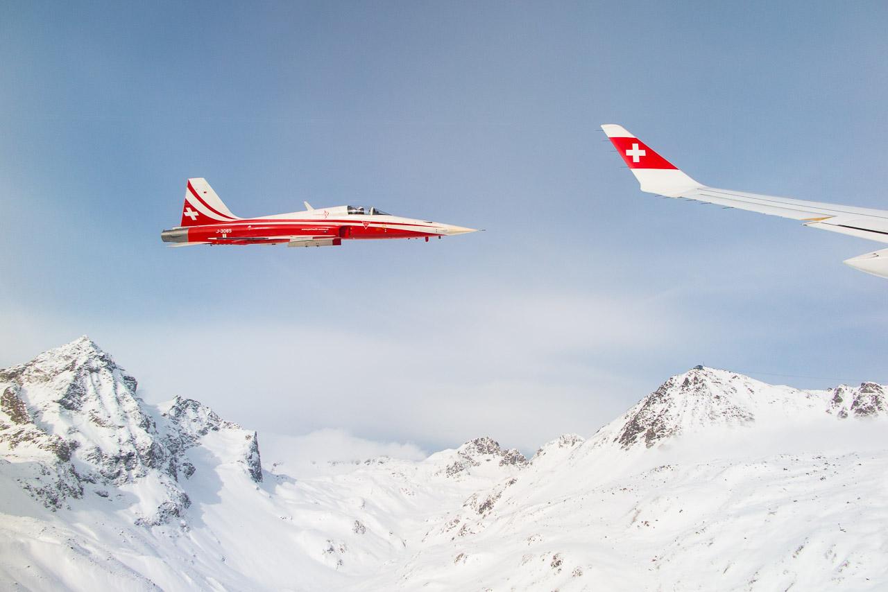 Zum Greifen nah: Ein Tiger F-5 der Patrouille Suisse