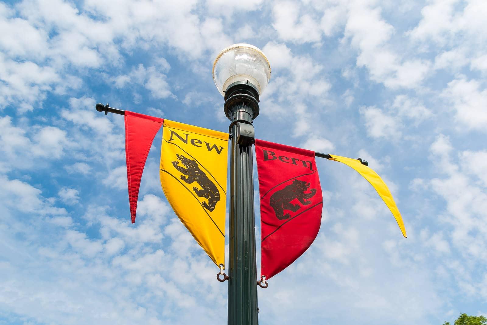 Die Altstadt-Beflaggung in der Altstadt von New Bern.