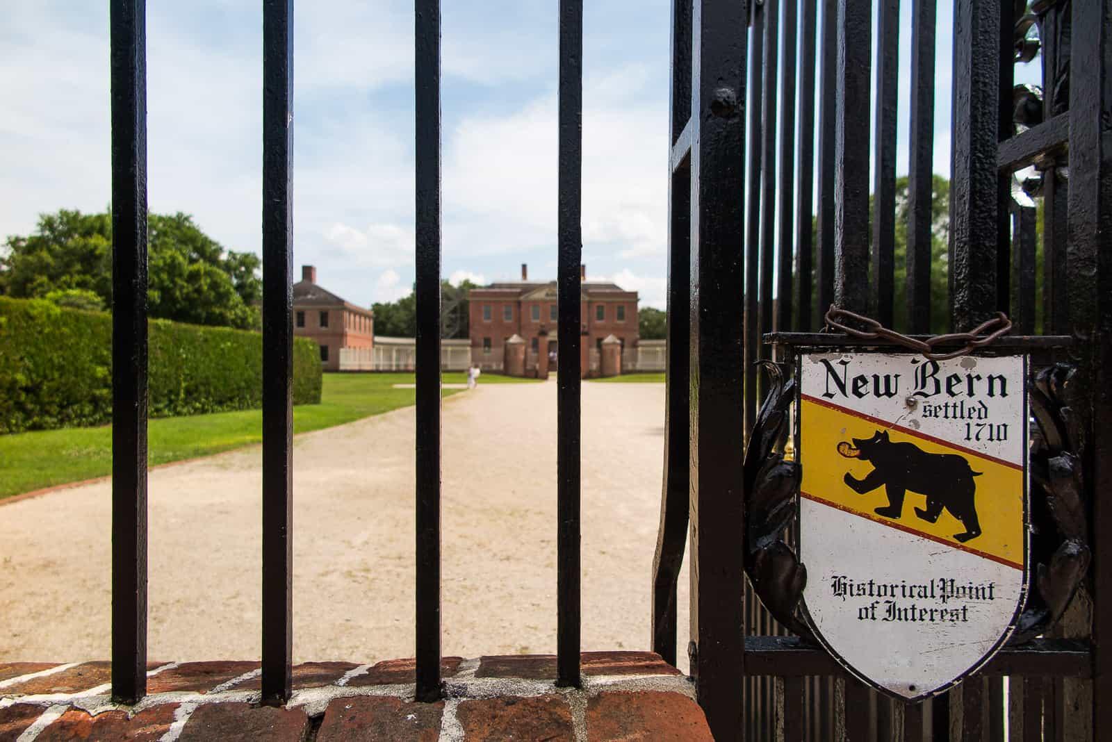 Eingang zum Gelände des Tryon Palace.