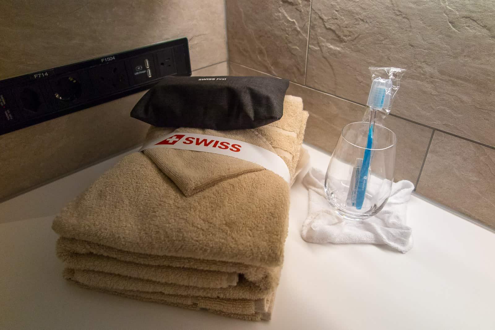 Alles für den duschbereiten First-Passagier