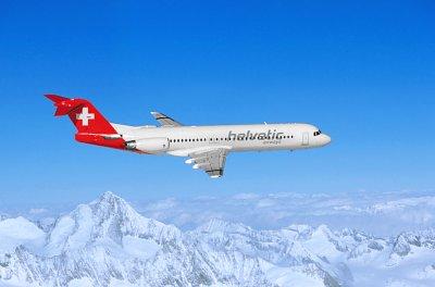 Fokker-100 der Helvetic Airways mit neuem Farbkleid